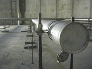 An elbow to accommodate a Wide Band diffuser